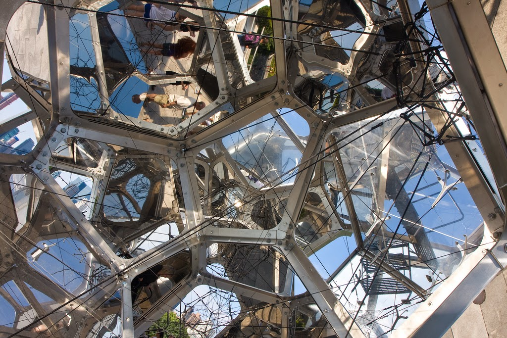 Tomás Saraceno's Cloud City