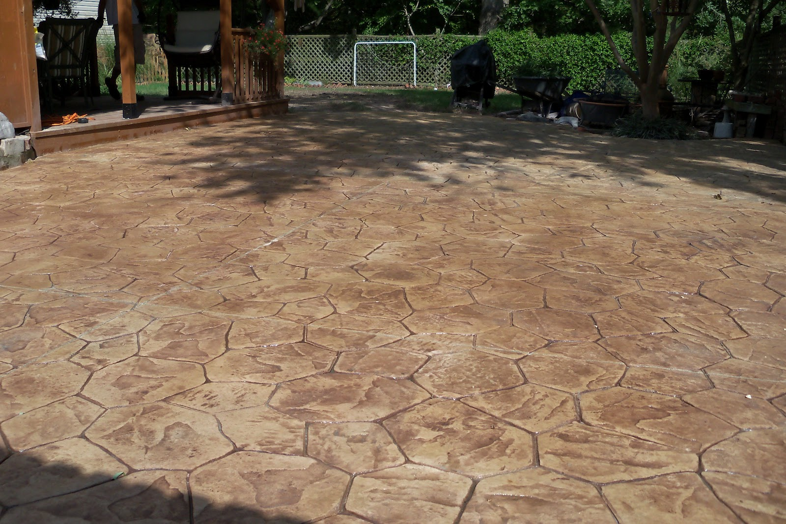 Slate patio pavers patio design ideas - Concrete backyard design ...