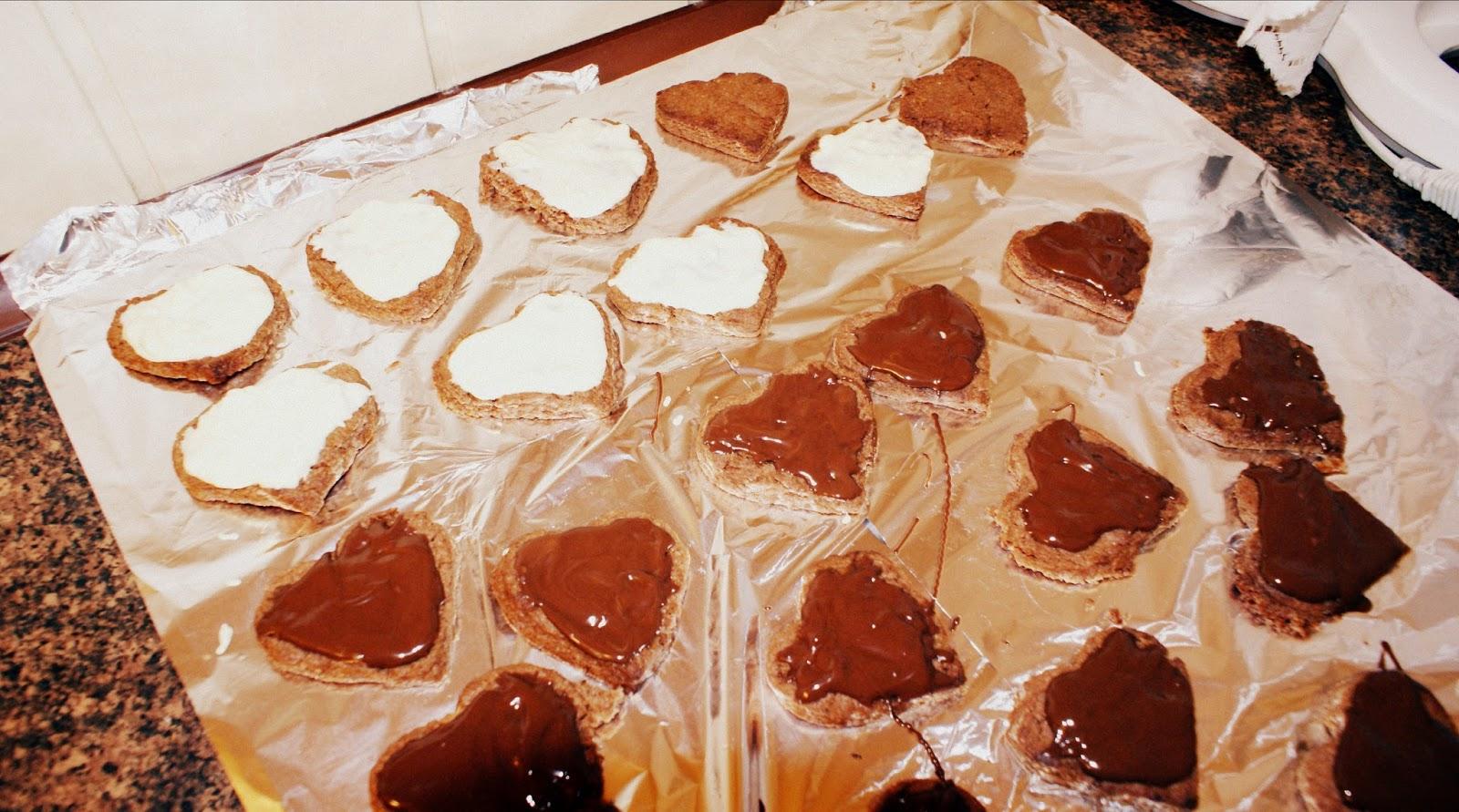 http://www.brulionspadochroniarza.pl/2015/02/ciasteczka-kruche-z-kakao.html