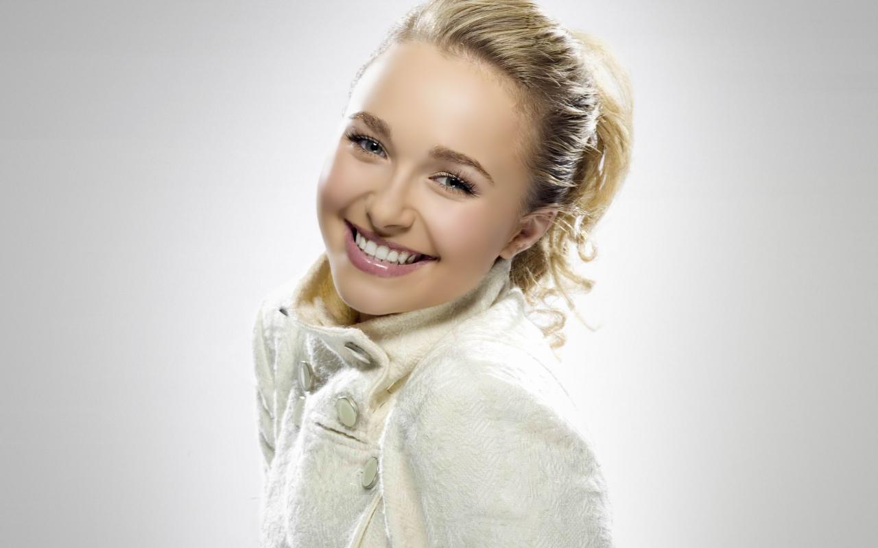 Hayden Panettiere - красива усмивка, HD Wallpaper