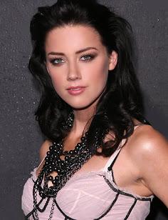 Sexy Girl: Amber Heard
