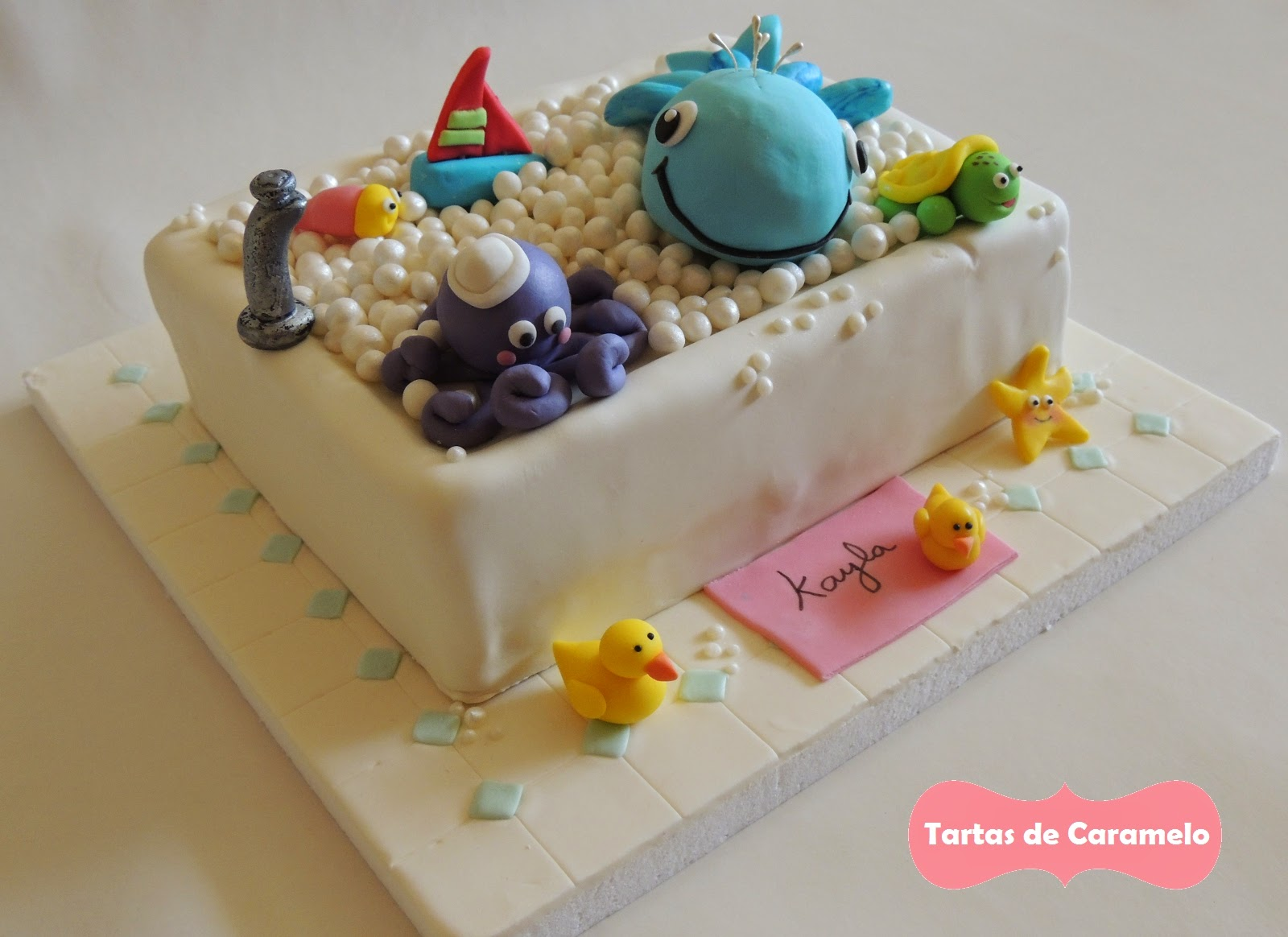 Tarta de cumpleaños: Al baño con mis muñecos!