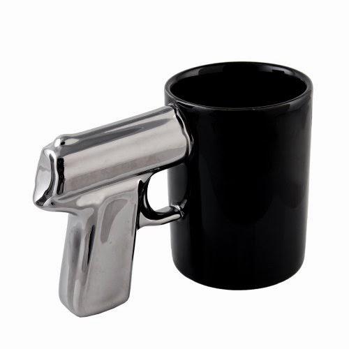 كأس بمقبض المسدس