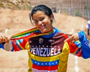 Stefany Hernández obtuvo bronce en Manchester