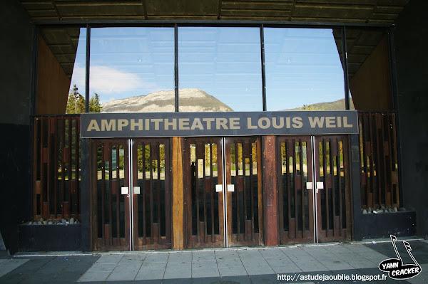 astudejaoublie Saint-Martin d'Hères - Campus Grenoble  Amphithéâtre Louis Weil  Architecte - Olivier-Clement Cacoub  Construction - 1965-1969  Sculpture facade extrieur - Edgard Pillet