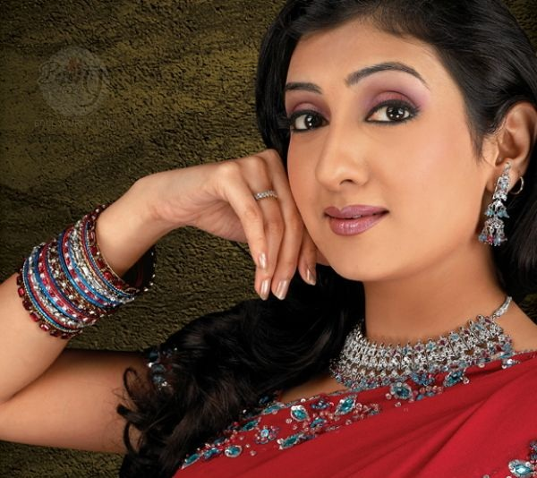 Junhi Parmar HD Wallpaper