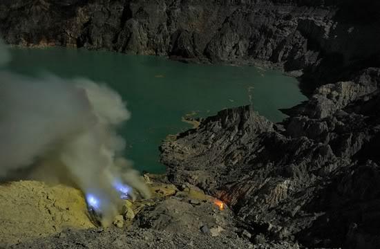 Kawah ijen sulfur mine