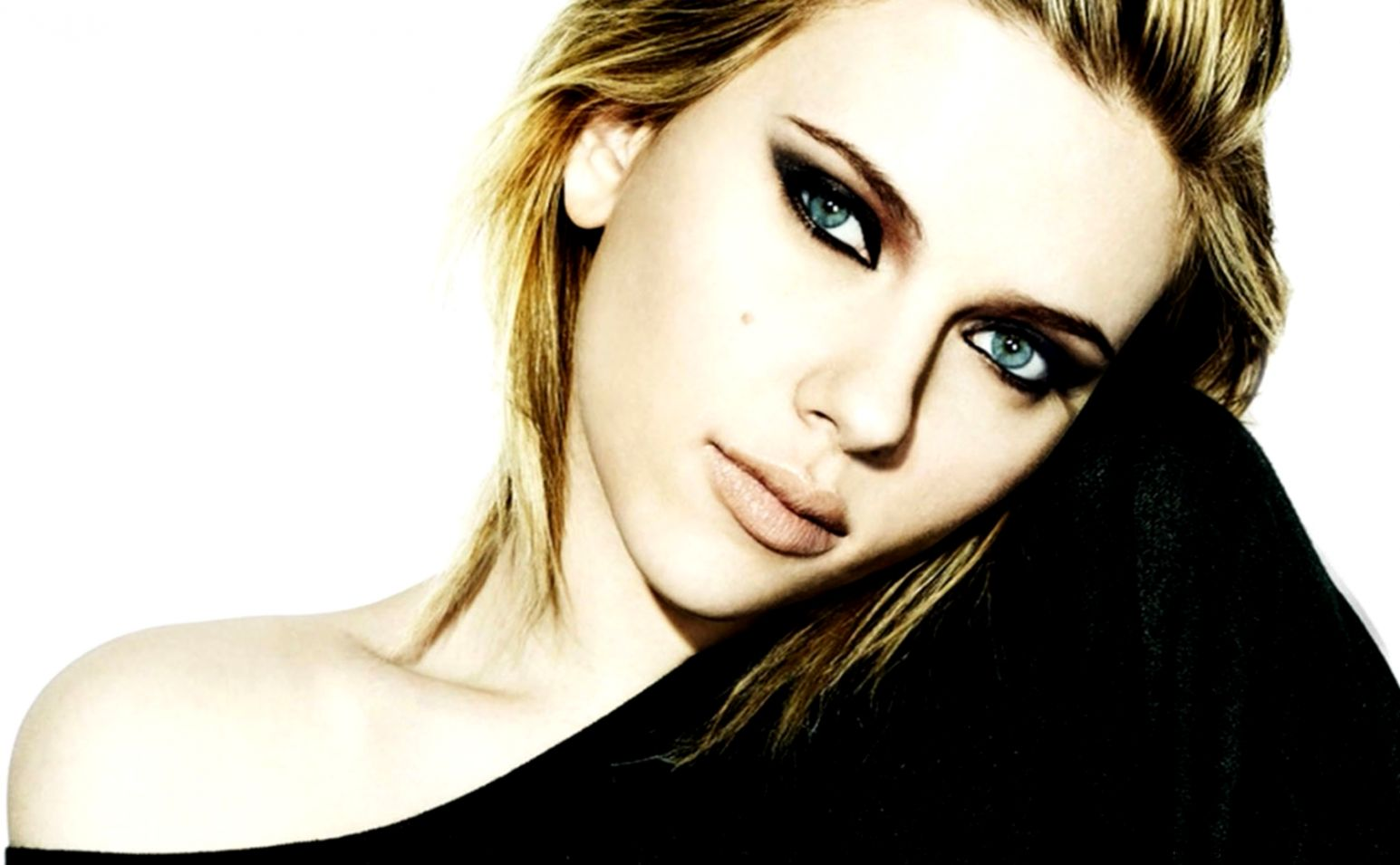 Scarlett Johansson Actress Portrait Hd Wallpaper  Best Desktop