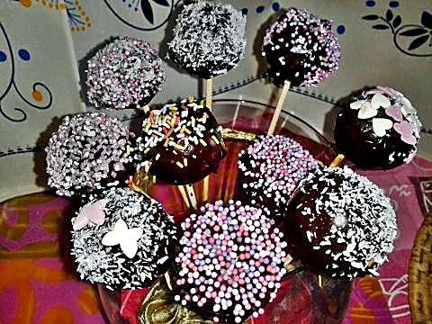 Chocobolas de coco en palito