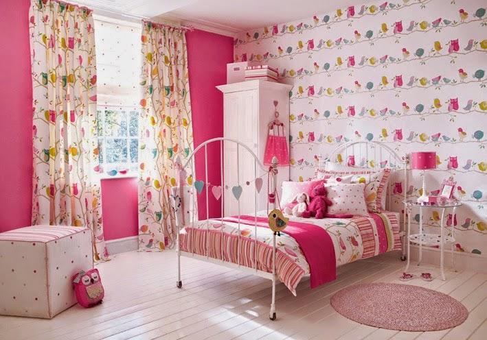 Desain ruangan anak dominan warna pink