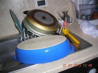 pranzo  domenicale...tagliatelle  con zucchinee panna- cosce di pollo marinate e cotte al forno con verdure grigliate e gratinate col krambul..pane fatto in casa di semola....