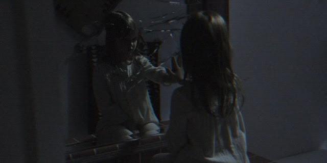 Atividade Paranormal: Dimensão Fantasma | Cena inédita, comercial e infográfico da franquia