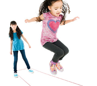Дворовые игры для девочек: резиночка