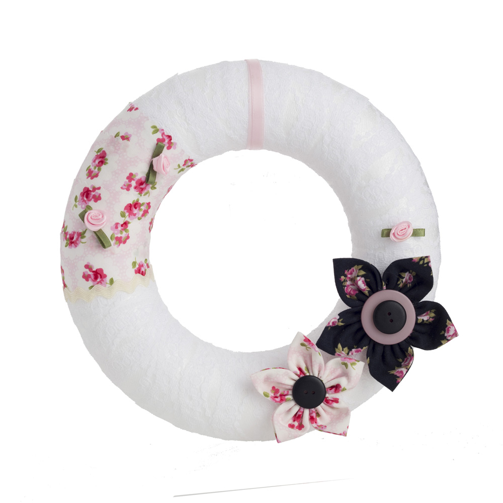 Pink and black floral wreath by Welaughindoors