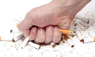 باحثون : إنزيم هو السبب فى الحزن والإكتائب الذى يصيب المدخنين عندما يتخذوا قرارا بإيقافه