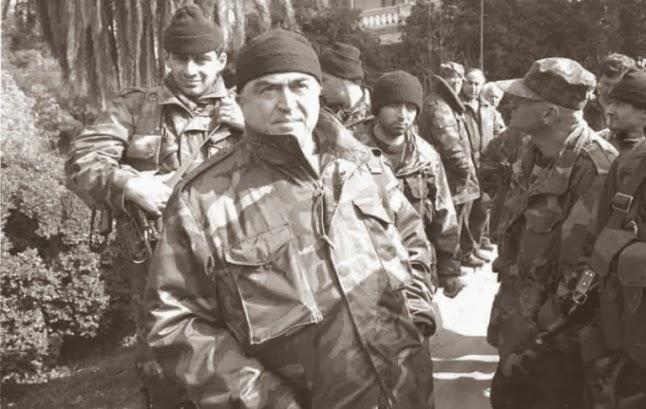 фото Тенгиз Китовани, министр обороны Грузии в 1992-1993 году