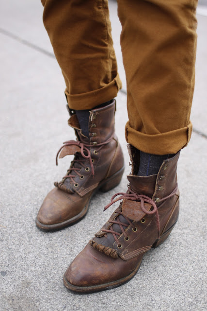 Brown vintage justin boots seattle street style