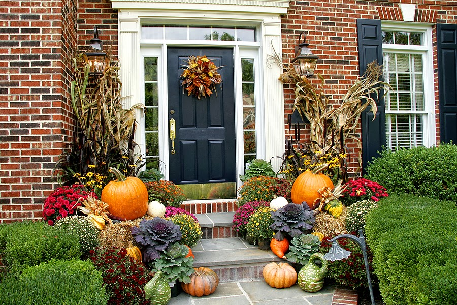 Life and love fall front porch decoration ideas for Front porch fall decor ideas