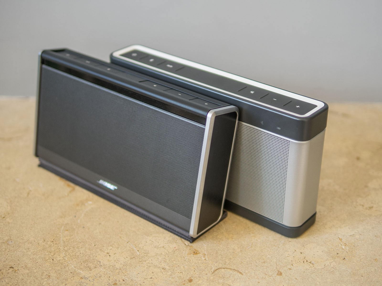 bose mini soundlink 3. the soundlink iii is standing straight now and therefore missing slight upwards tilt of previous versions, but treble response considerably bose mini 3 i