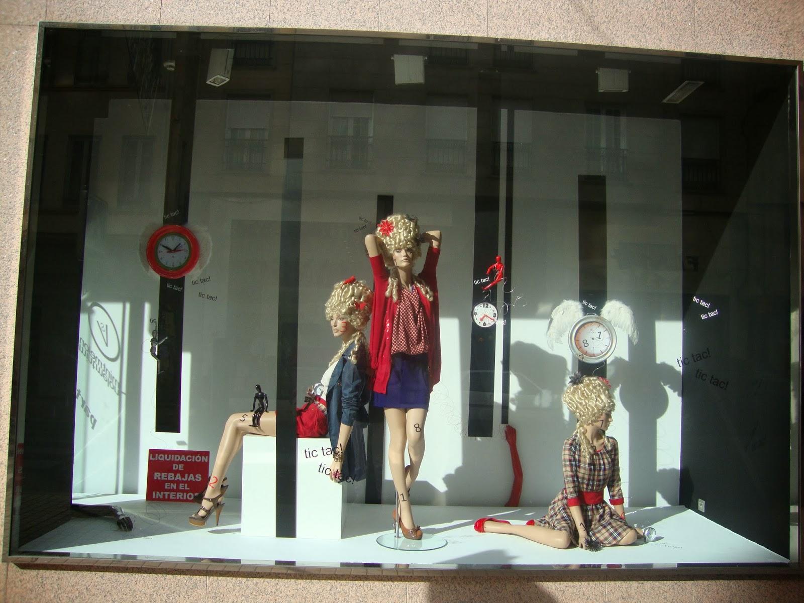 Tipos de escaparates en tiendas escaparates e interiores - Ideas para escaparates pequenos ...