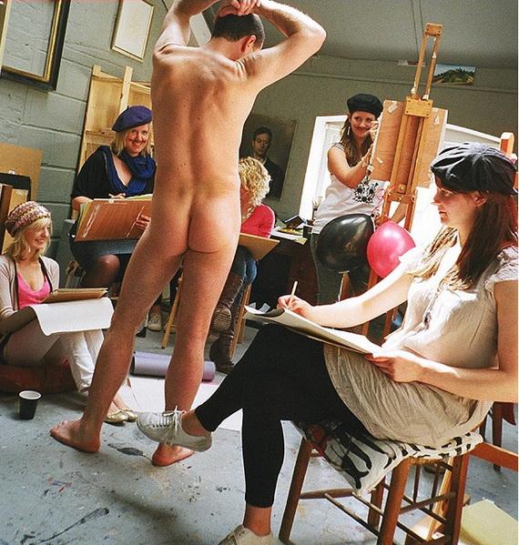 Phái đẹp thích nhìn gì nhất khi đàn ông khỏa thân?