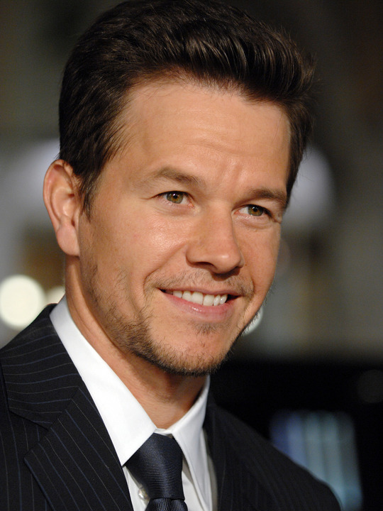 Mark Wahlberg Pictures | Celebrity Gossips Mark Wahlberg Obituary