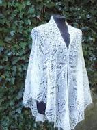 TE KOOP: wol zijden bruidsjaal.