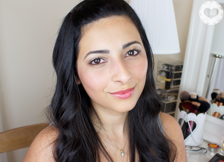 Makeup Tutorial: 5 Minute Brightening Makeup Look (VIDEO)