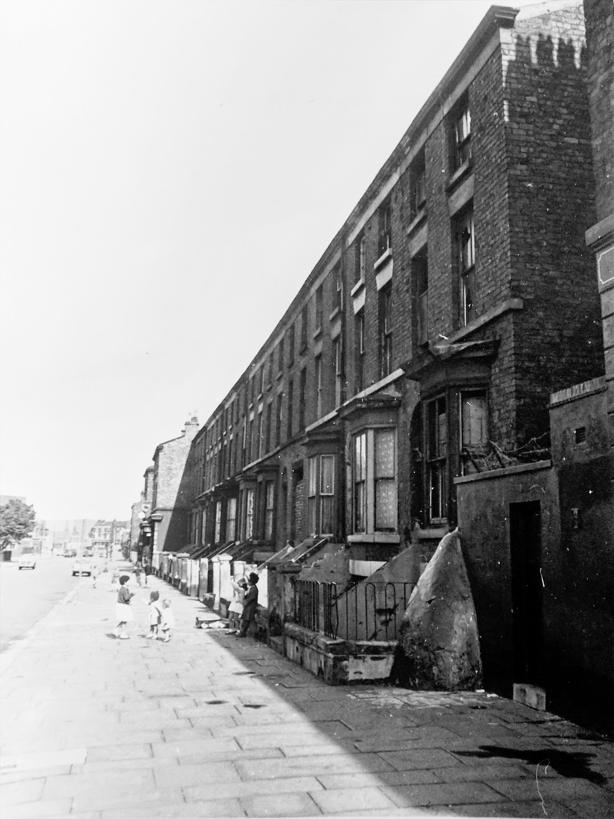 Crown street nos153 129 for 125 crown terrace