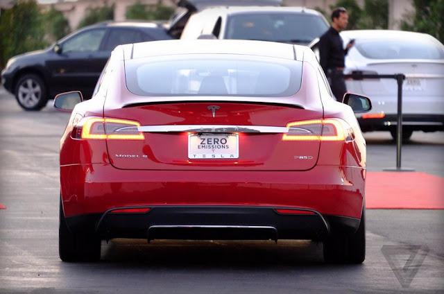 2015 Tesla Model S P85D UK