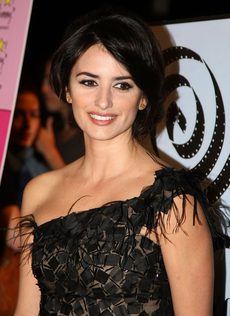 Fashionable Celebrity Hairstyle Penelope Cruz 33