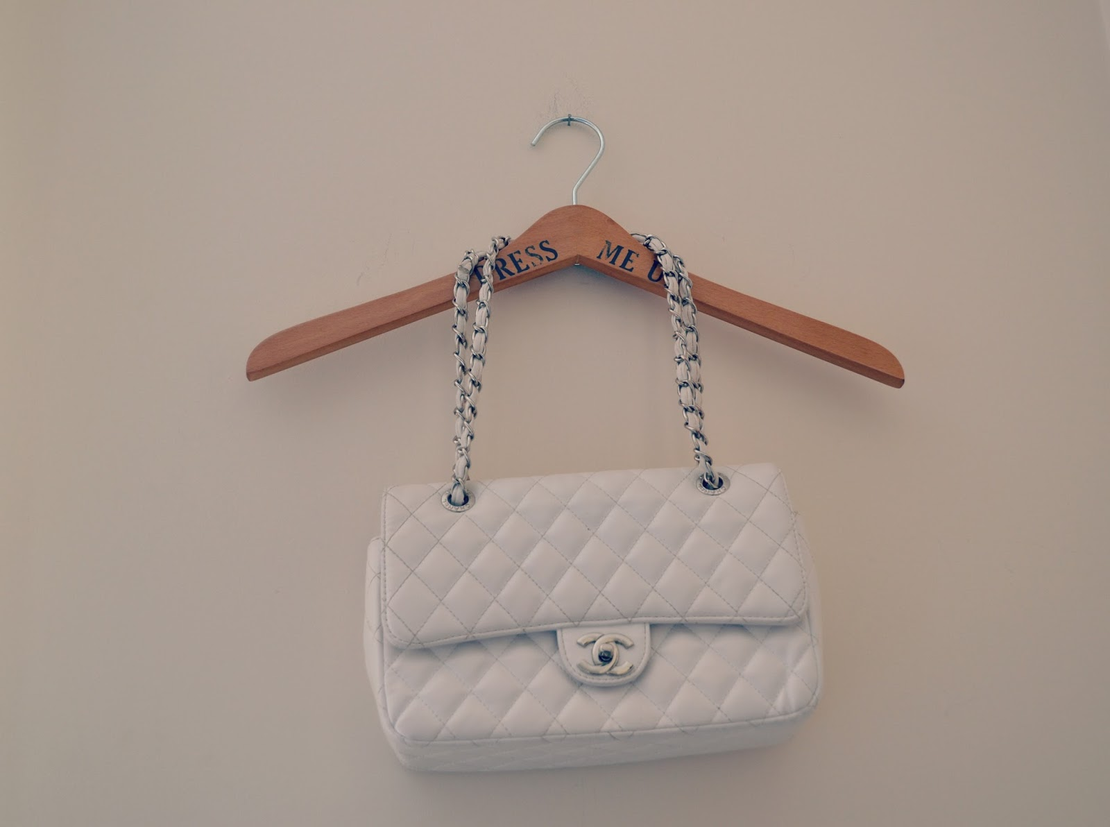 chanel chain strap 2.55 handbag white quilted cc