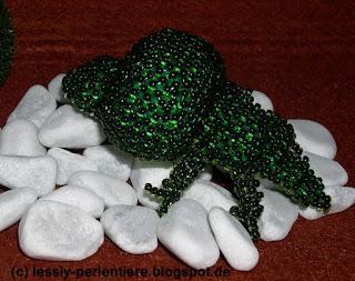 http://lessly-perlentiere.blogspot.com/2015/09/big-head-krokodil.html