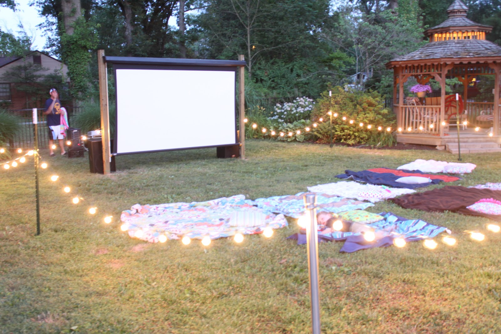 Haleyv6 A 3rd And 5th Birthday OUTDOOR MOVIE