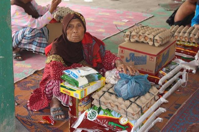 bantuan sembako untuk korban sinabung oleh yayasan arrisalah alkhairiyyah