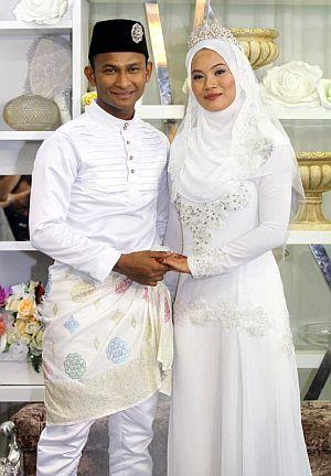 Gambar Perkahwinan Black Mentor dengan Naquia Yasirah