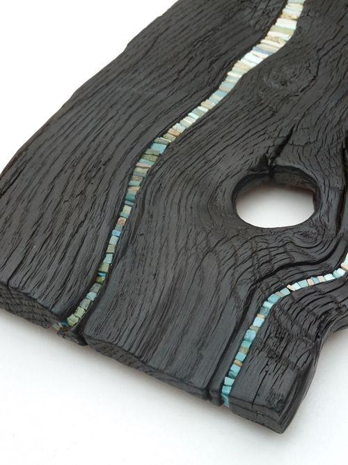 Madeira carbonizada japonesa com mosaico