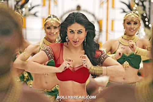 Chamak challo hot navel show - (2) - Kareena kapoor &amp; Anushka Sharma navel show
