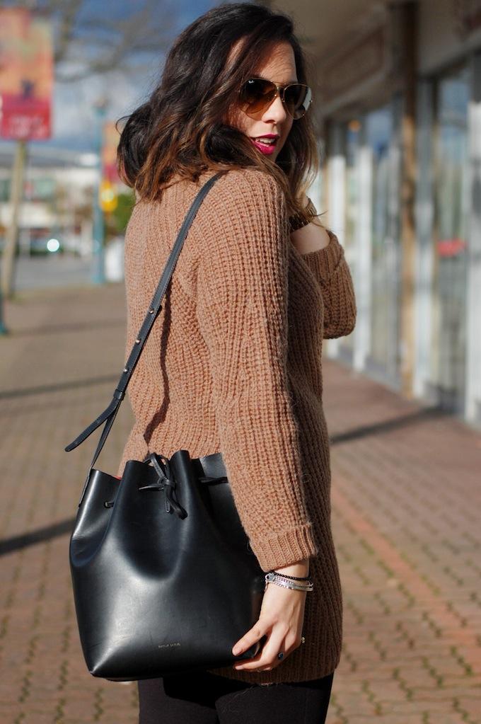 Mansur Gavriel bucket bag Vancouver fashion blogger