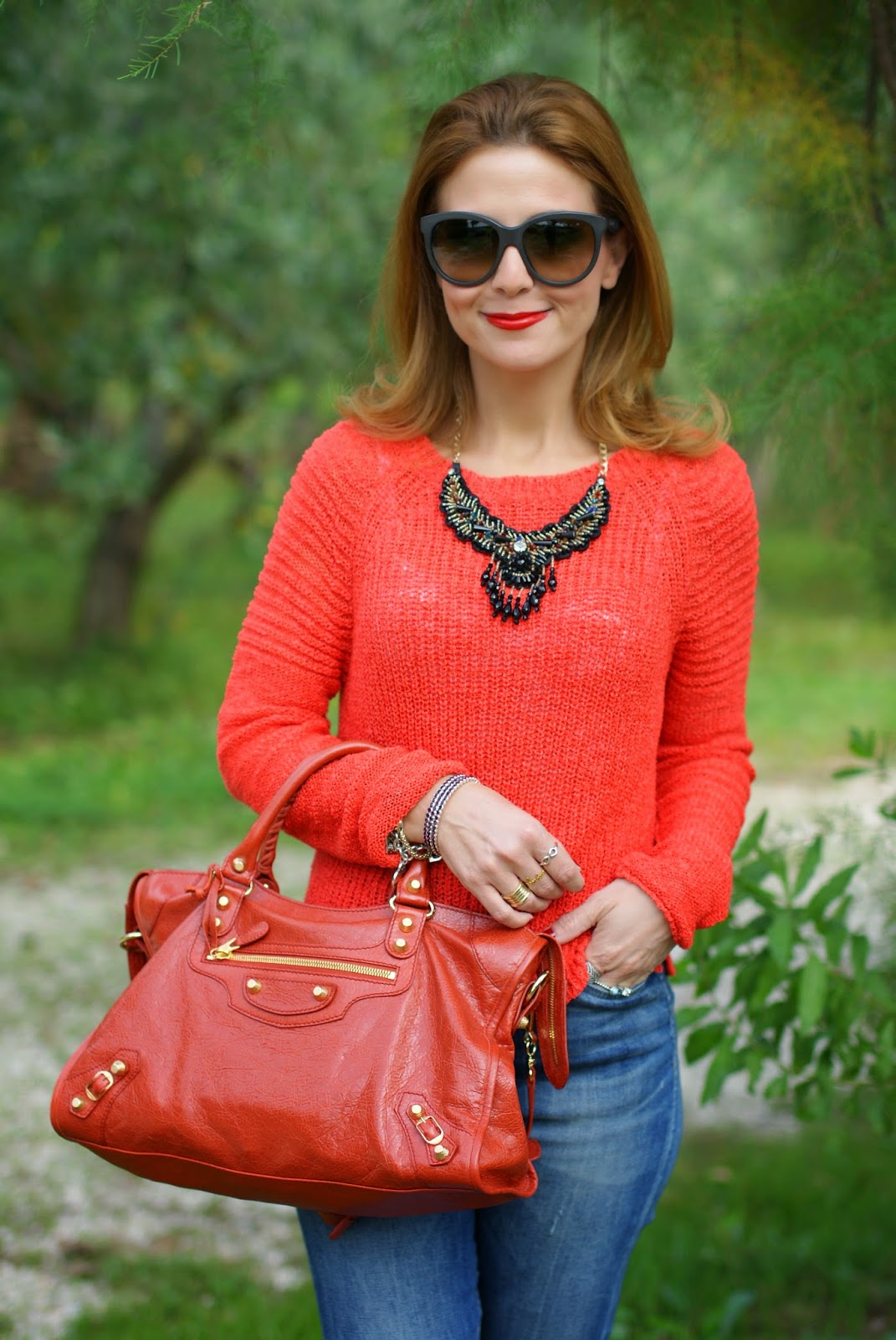 Balenciaga City rouge ambre bag, happiness high waisted jeans, Fashion and Cookies, fashion blogger