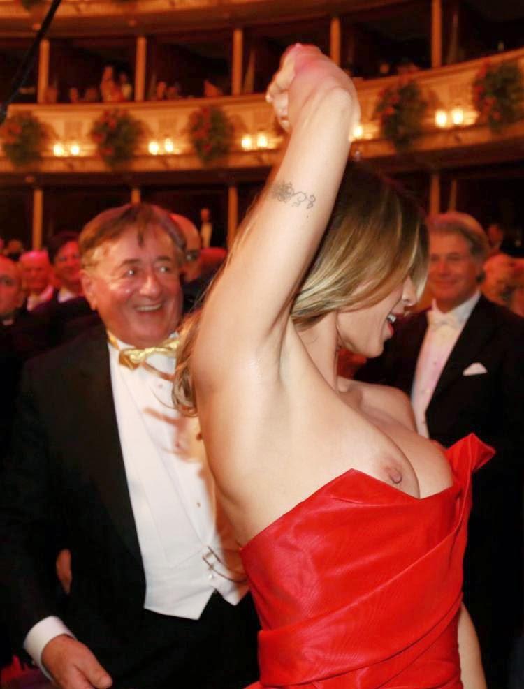 Richard Lugner és Elisabetta Canalis elszabadult melle