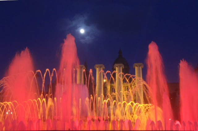 Magic Fountain Lights | Barcelona | Chichi Mary Blog