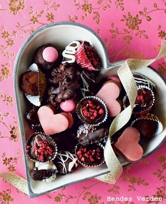 http://hendesverden.dk/jul/Julemad/Julekogeboger/Nem-og-lakker-konfekt/