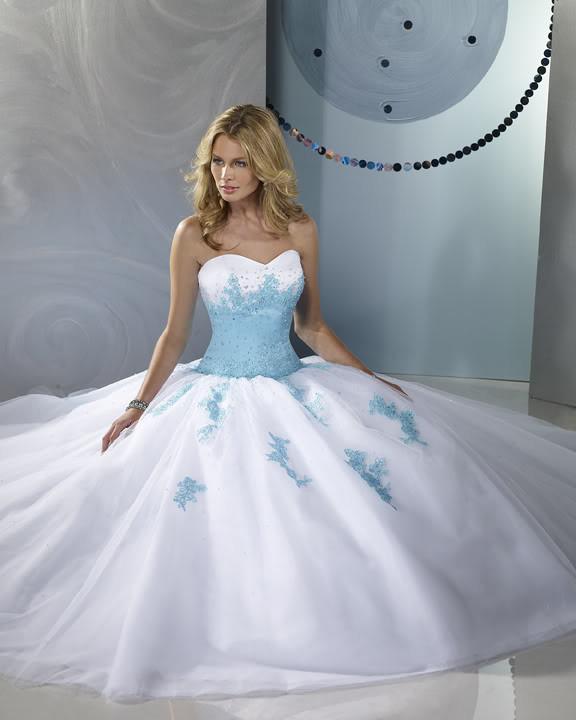 coiffurete dance robe de mari e bleue et blanche