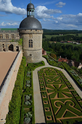 Château de Hautefort. La torre-capella