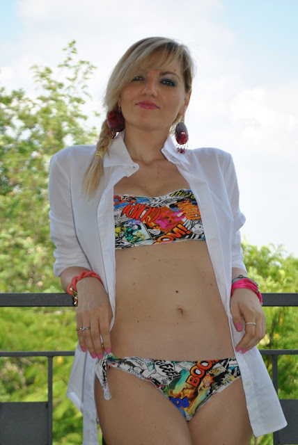 costume divissima bikini mariafelicia magno fashion blogger milano blog di moda costume a fascia con volant copricostume costumi estate 2015 bikini estate 2015 bikini a fascia girls in bikini legs girls bikini summer 2015 how to wear bikini bikini  band bra costumi stampa fumetto