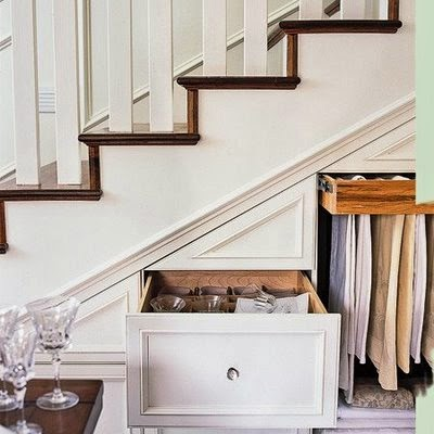 Aprovechar hueco de escalera, almacenaje.