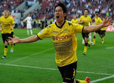Kagawa Borussia Dortmund 2012, Shinji Kagawa close to Manchester United