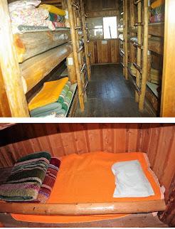 宿泊小屋の内部の様子