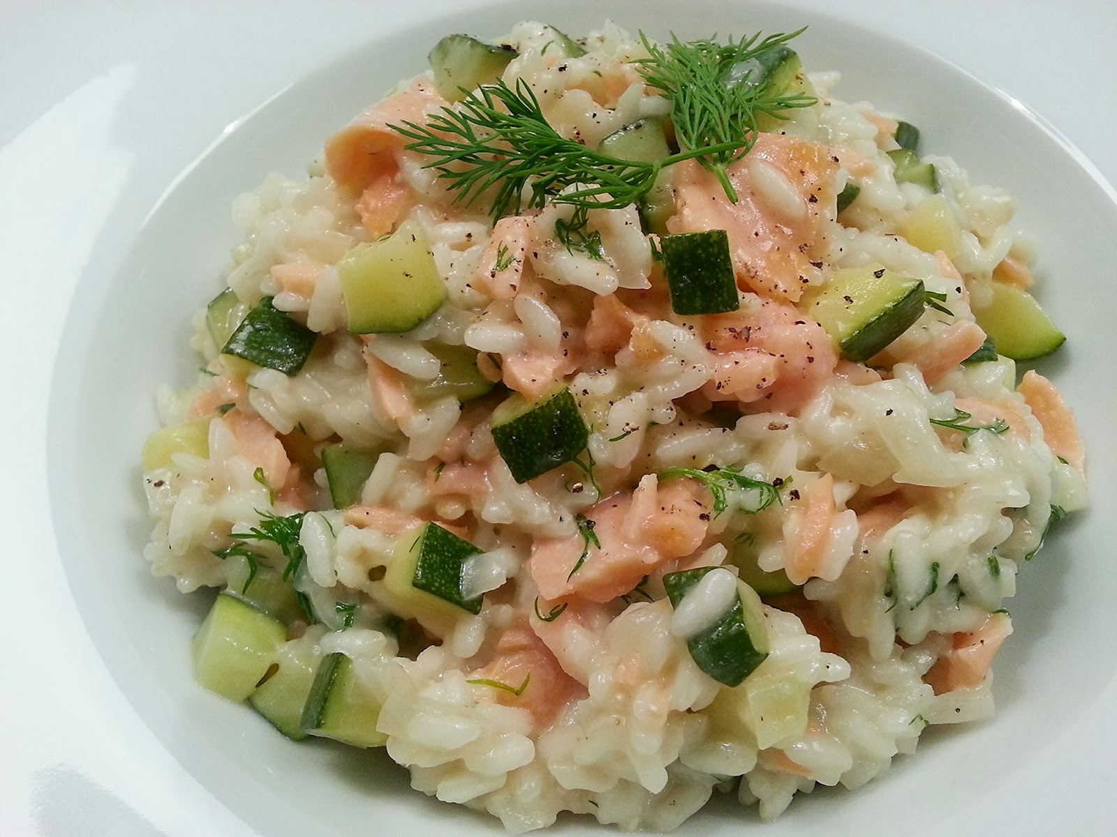 koken met rianne romige risotto met gerookte zalm en courgette. Black Bedroom Furniture Sets. Home Design Ideas